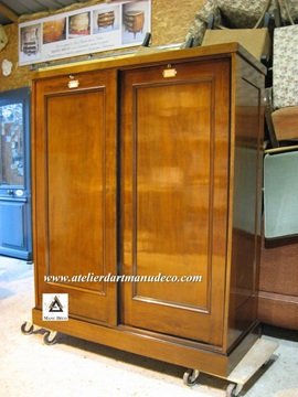 Vign_Armoire_The_Grant_Museum_Zoology_3