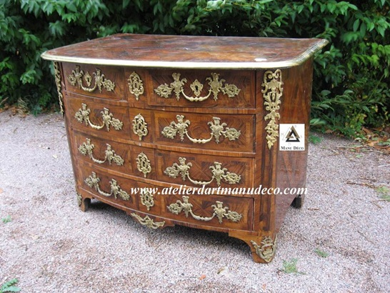 Vign_Commode_Louis_XIV_decor_bronze_avant_restauration