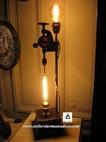 vign1_outil_detourne_en_lampe_originale