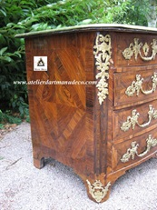 vign_Commode_marqueterie_Louis_XIV_avant_restauration